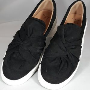 A New Day black shoes with white sole size 7.5 US